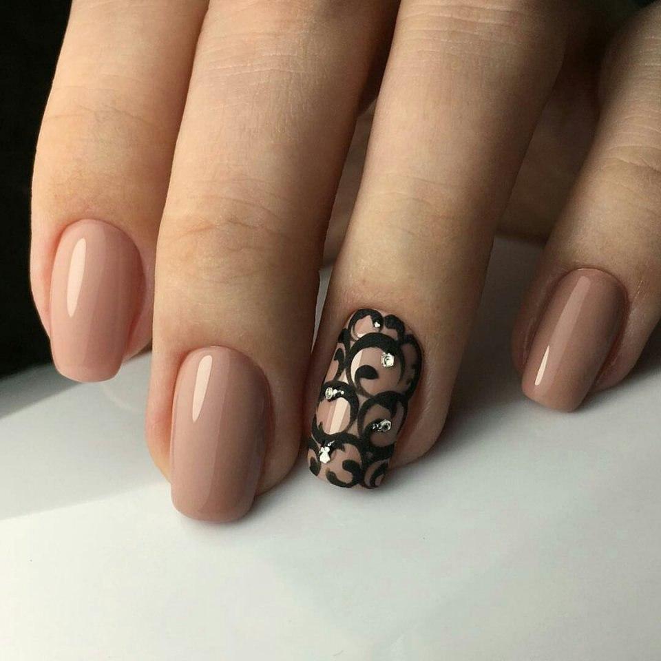 Бежевый гель лак на ногтях дизайн фото